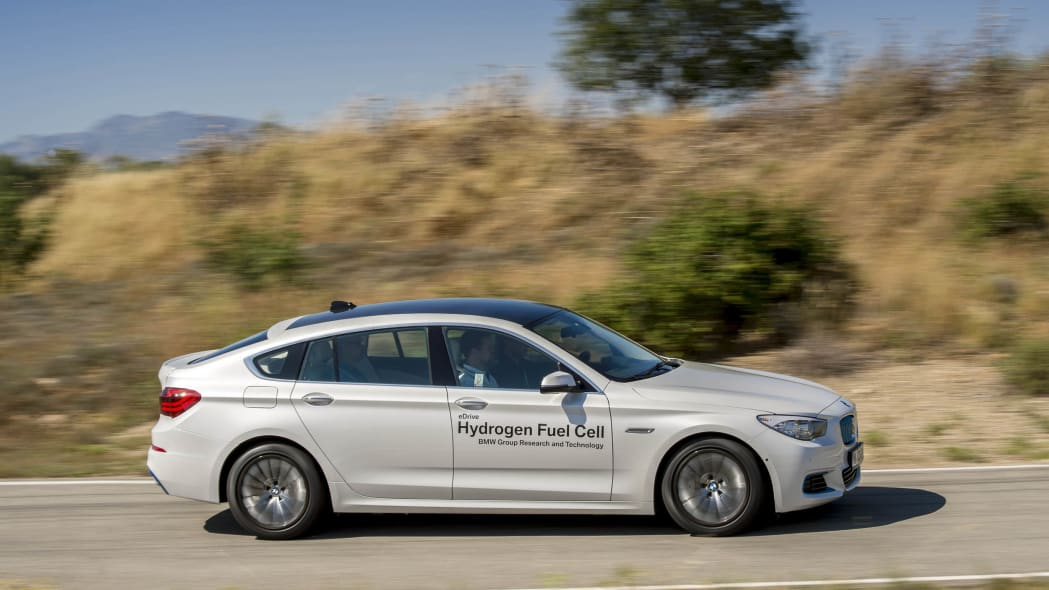 bmw 5 series gt fuel cell hydrogen motion action