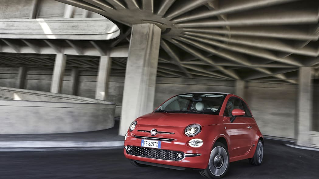 Fiat 500 front 3/4 red