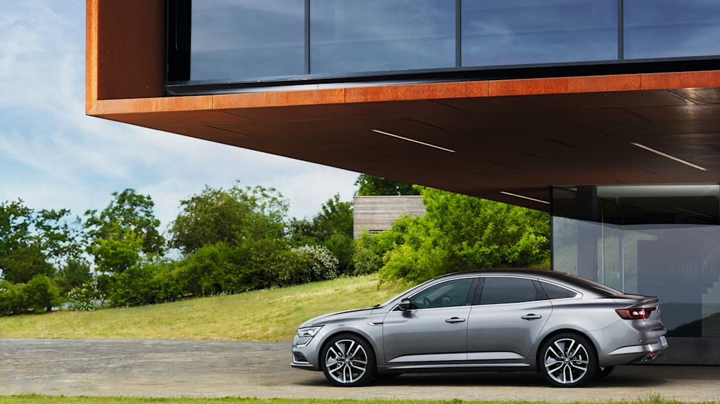 nissan renault sedan talisman house trees