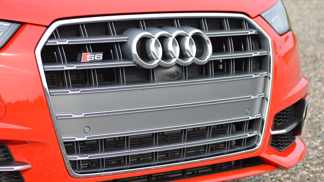 2016 audi s6 red grille detail