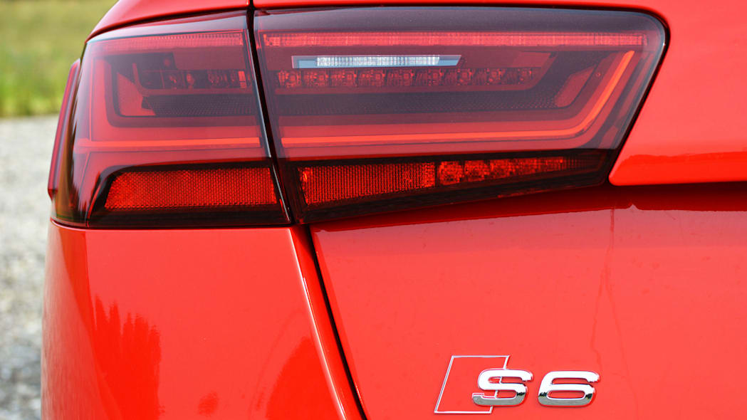 2016 audi s6 red taillight badge detail