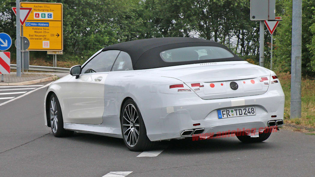 Mercedes-Benz S63 AMG Cabriolet rear 3/4