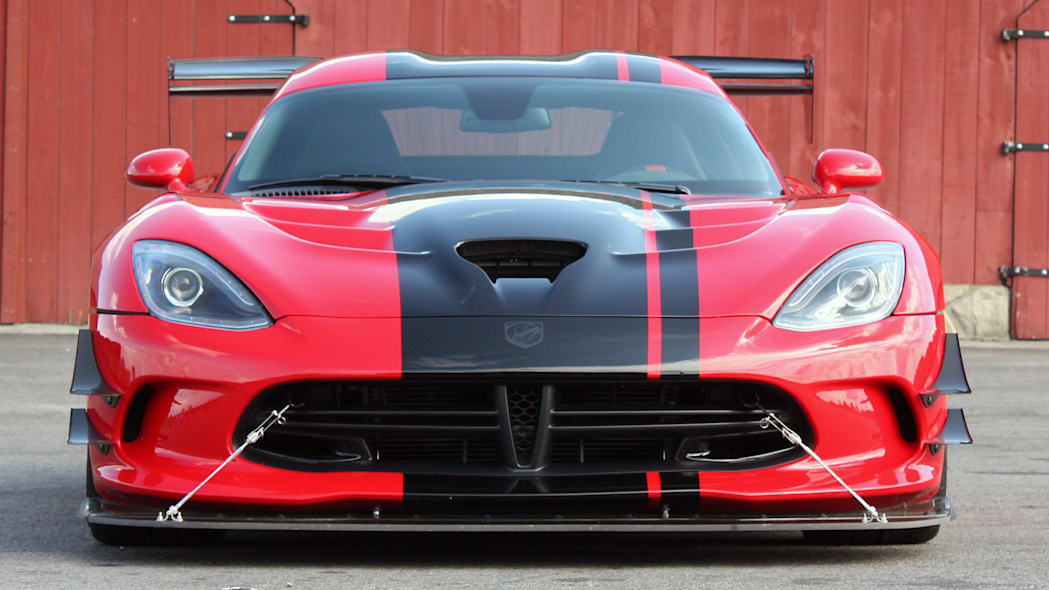 2016 Dodge Viper ACR front view