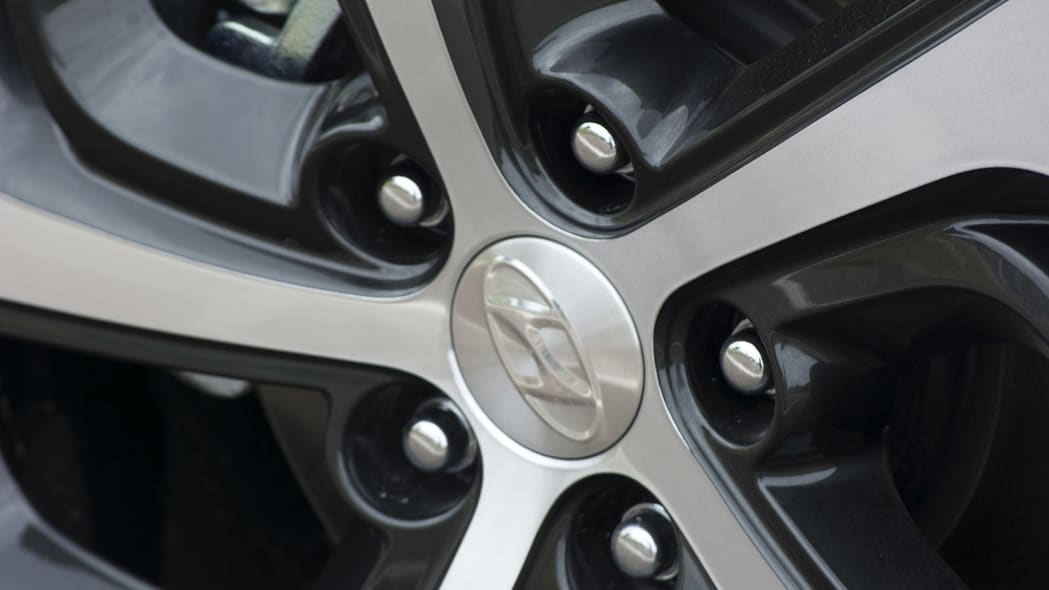2016 Hyundai Tucson wheel detail