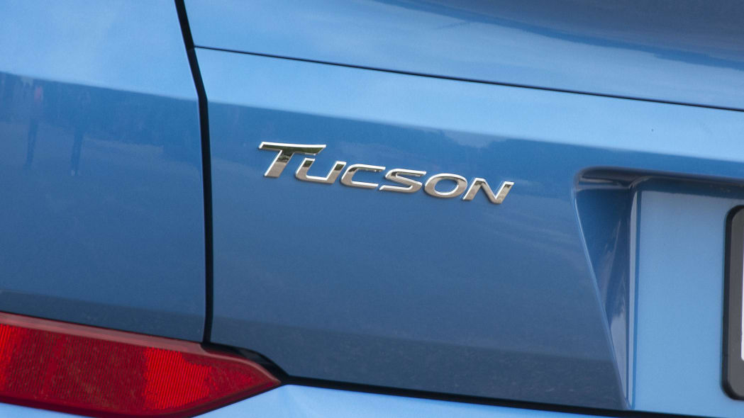 2016 Hyundai Tucson badge