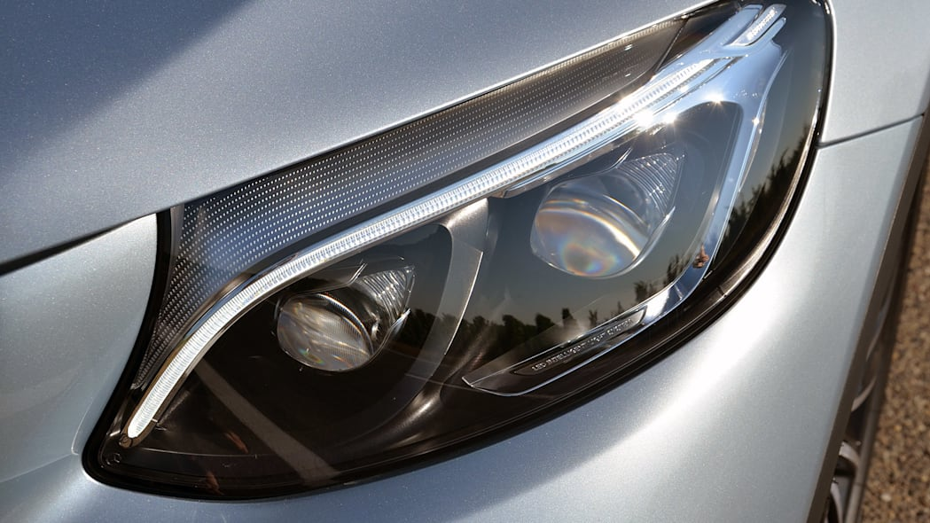 2016 Mercedes-Benz GLC250 headlight