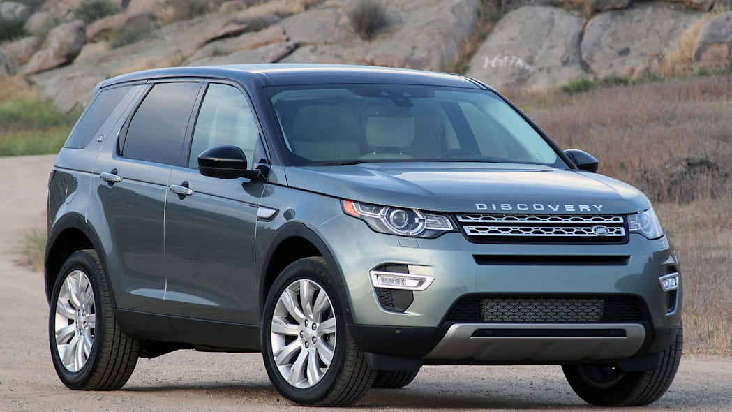 2015 Land Rover Discovery Sport front 3/4 view