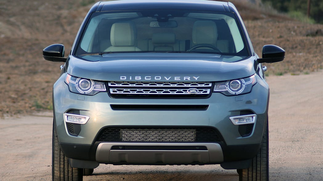 2015 Land Rover Discovery Sport front view