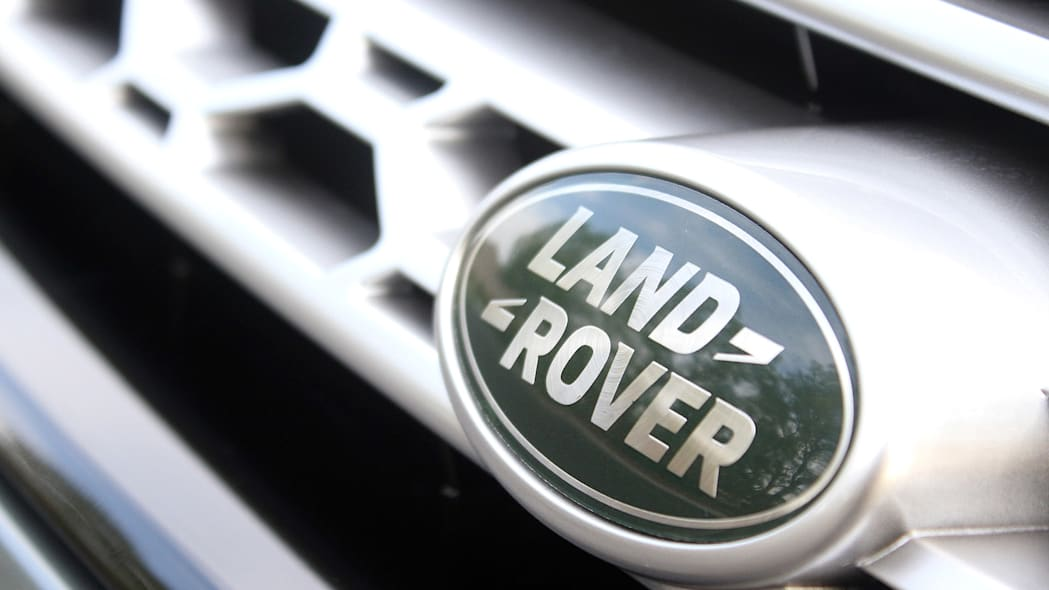 2015 Land Rover Discovery Sport badge