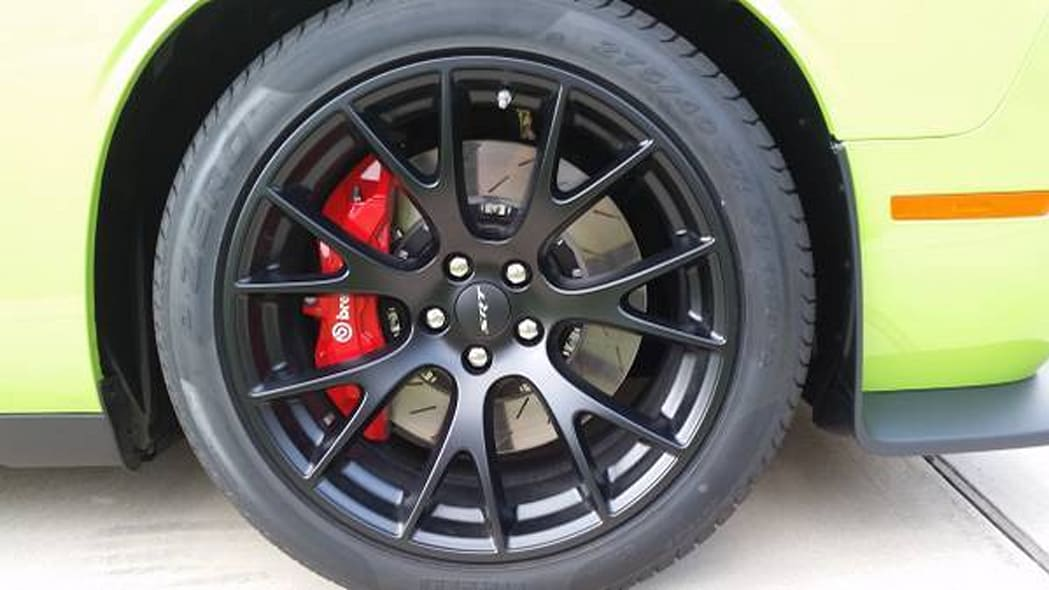 dodge challenger srt hellcat 666 wheels and brakes