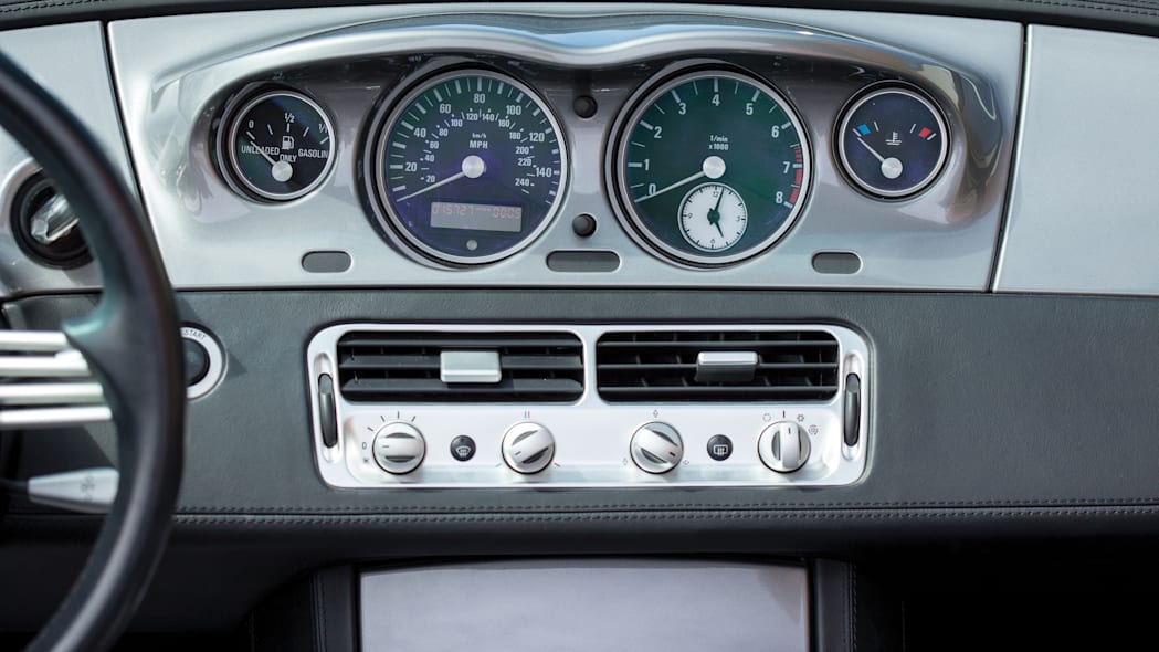 2001 BMW Z8 dashboard