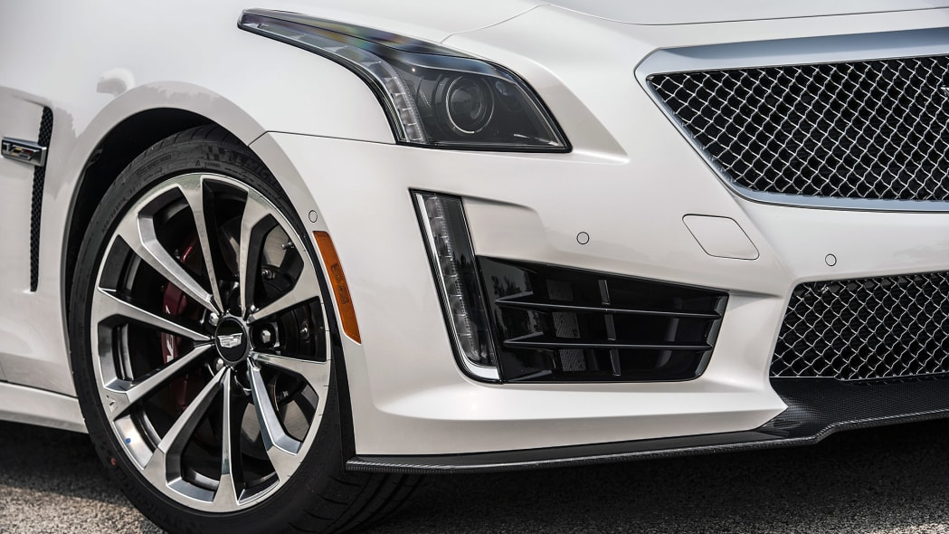 2016 Cadillac CTS-V front fender