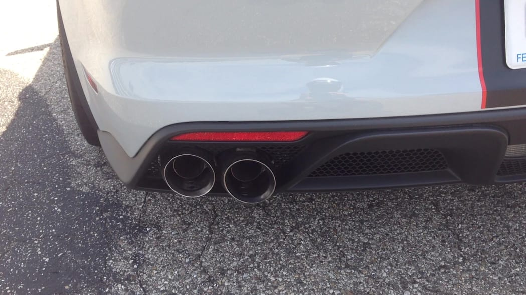 2016 Ford Shelby Mustang GT350R Exhaust Note | Autoblog Short Cuts