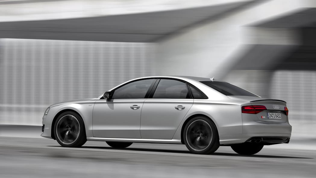Audi S8 Plus 3/4 moving