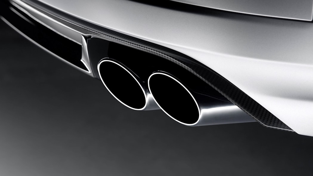 2016 Audi S8 Plus tailpipes