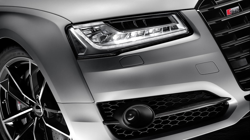 2016 Audi S8 Plus headlights