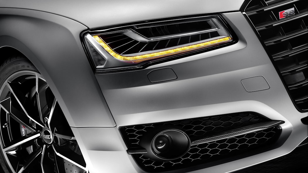 2016 Audi S8 Plus Matrix LED headlights