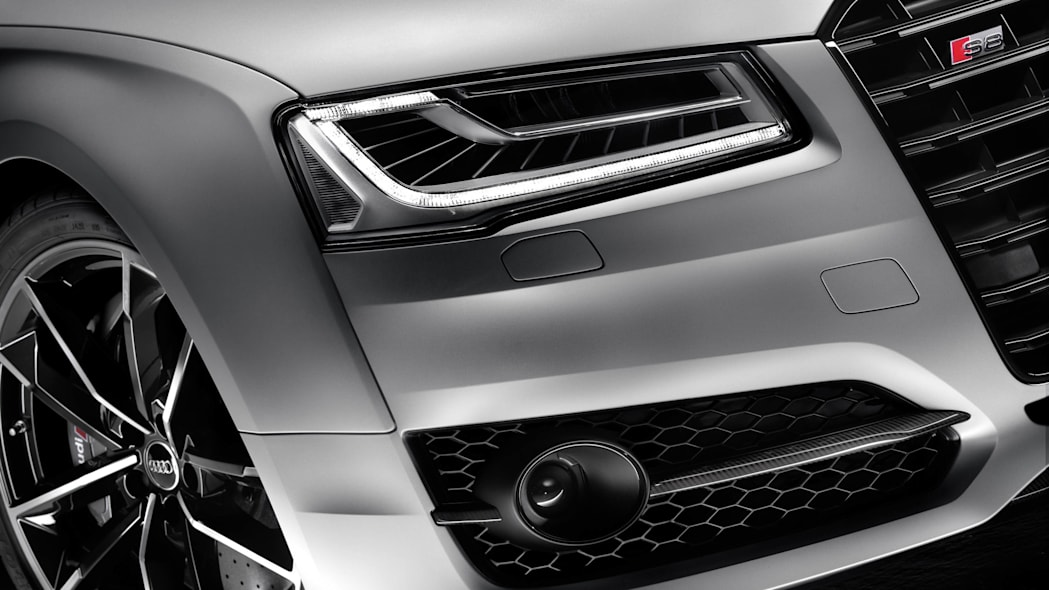 2016 Audi S8 Plus LED headlights