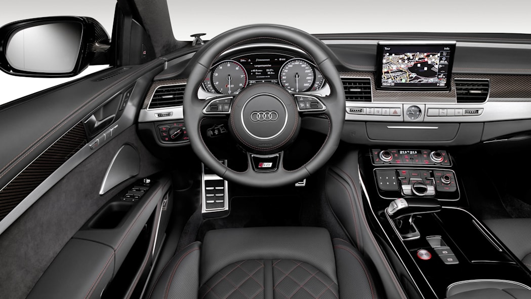 2016 Audi S8 Plus dashboard