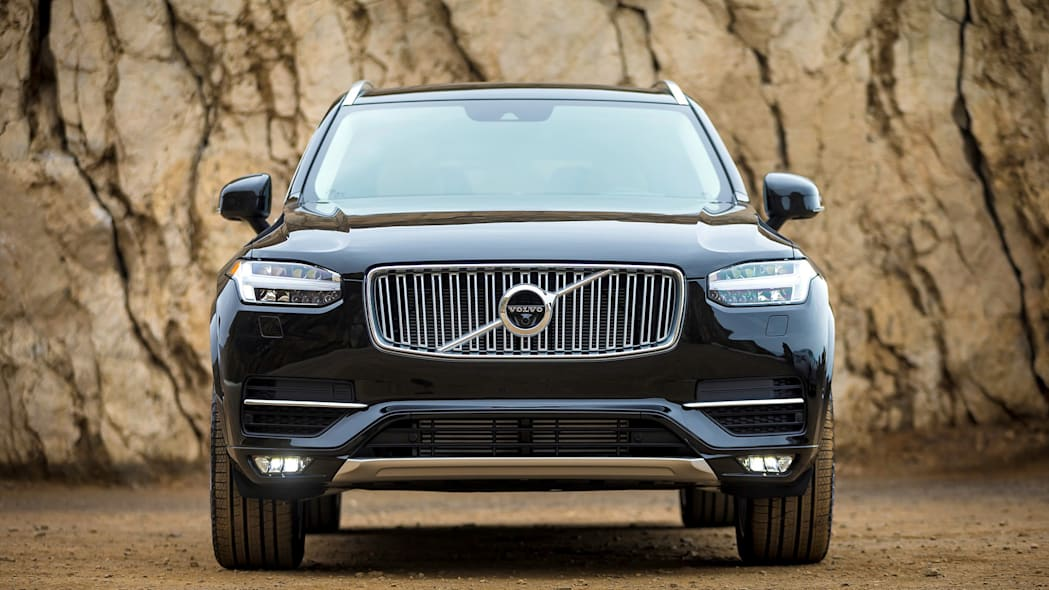2016 Volvo XC90 dead on, check out that face