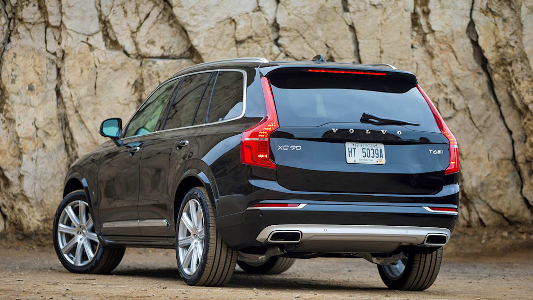 2016 Volvo XC90 rear 3/4 view with dusty tires