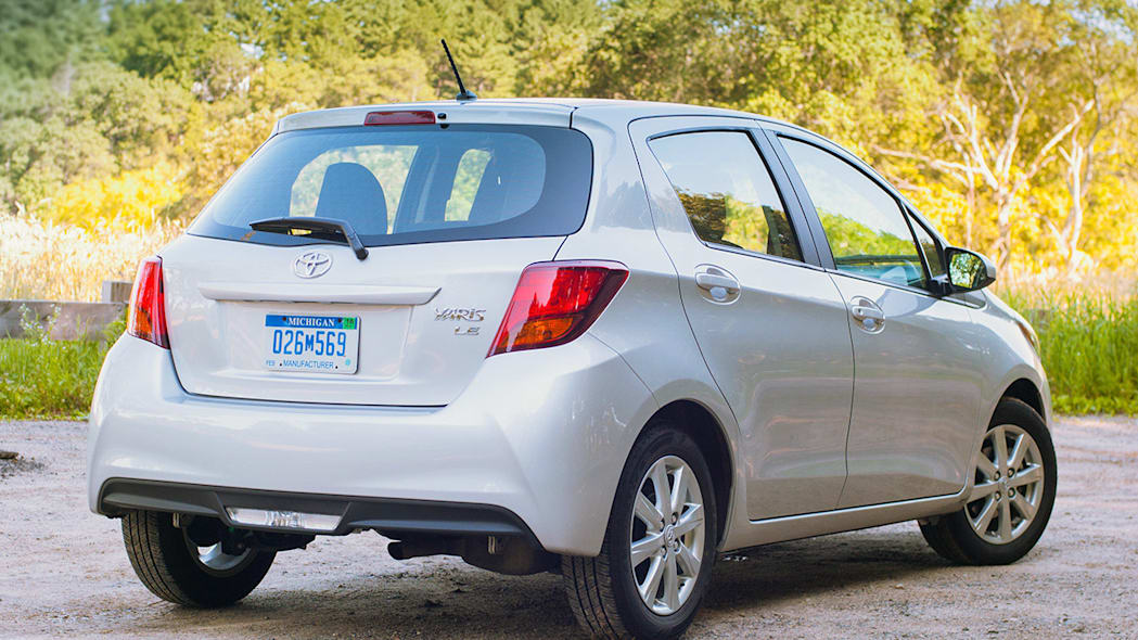 2015 Toyota Yaris rear 3/4 view