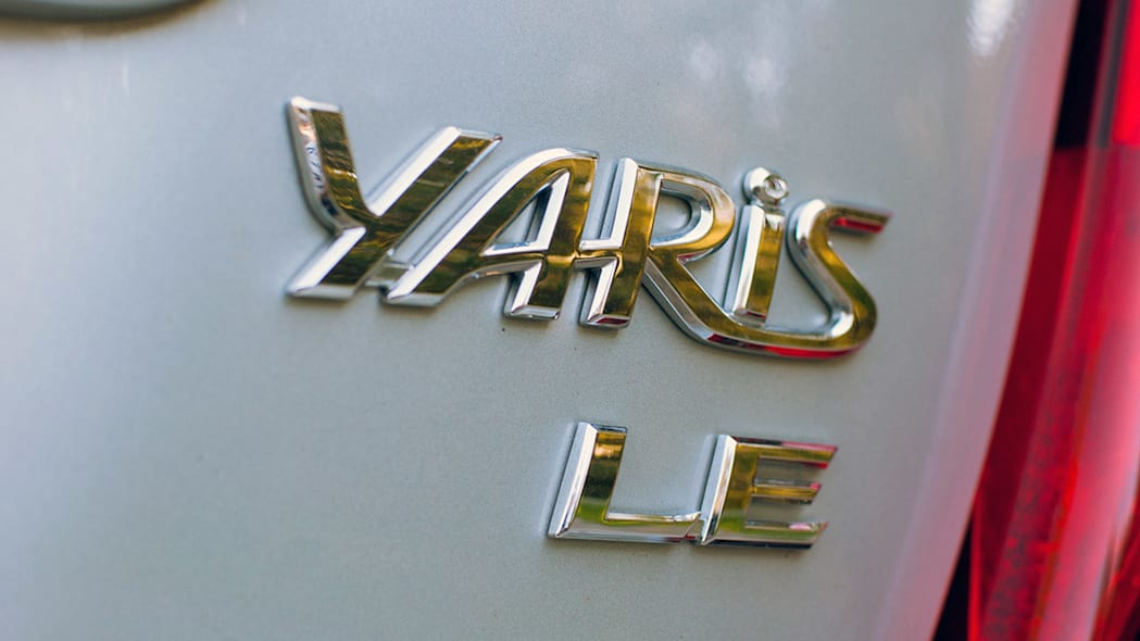 2015 Toyota Yaris badge
