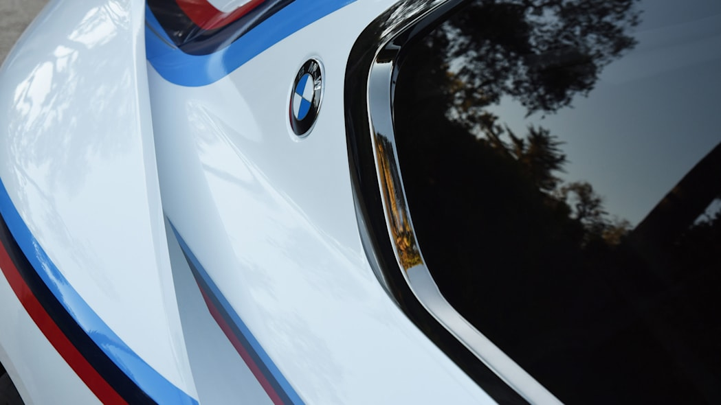 bmw badge hommage r 3.0 csl spoiler vents