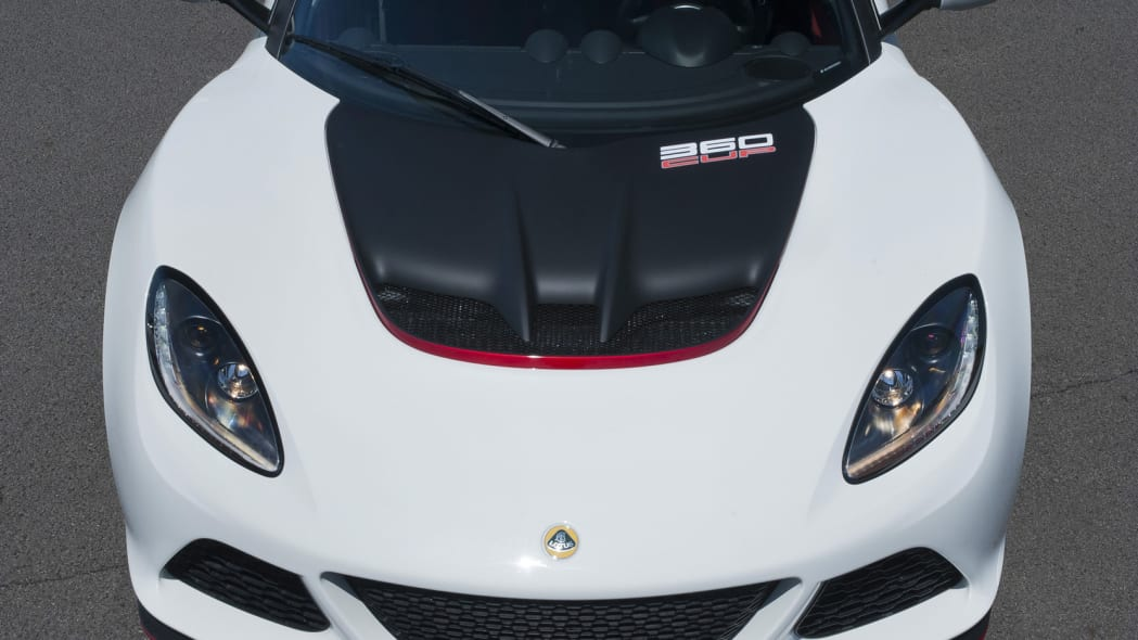 white lotus exige 360 cup top