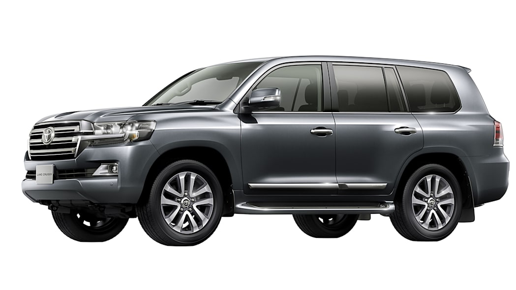 2016 Toyota Land Cruiser front 3/4 grey gray