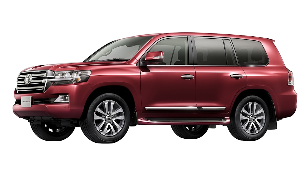 2016 Toyota Land Cruiser front 3/4 red