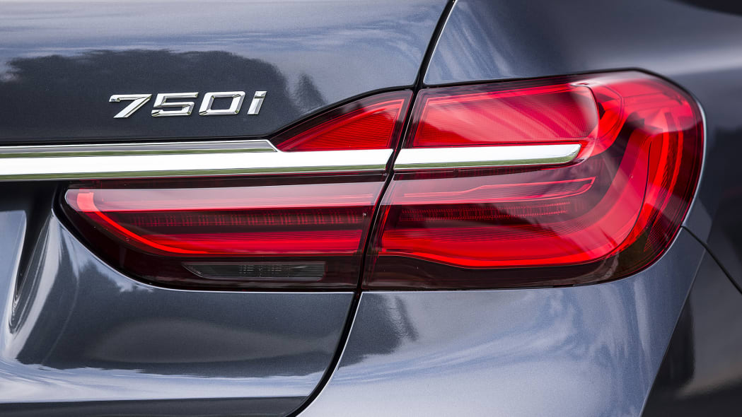 2016 BMW 7 Series taillight