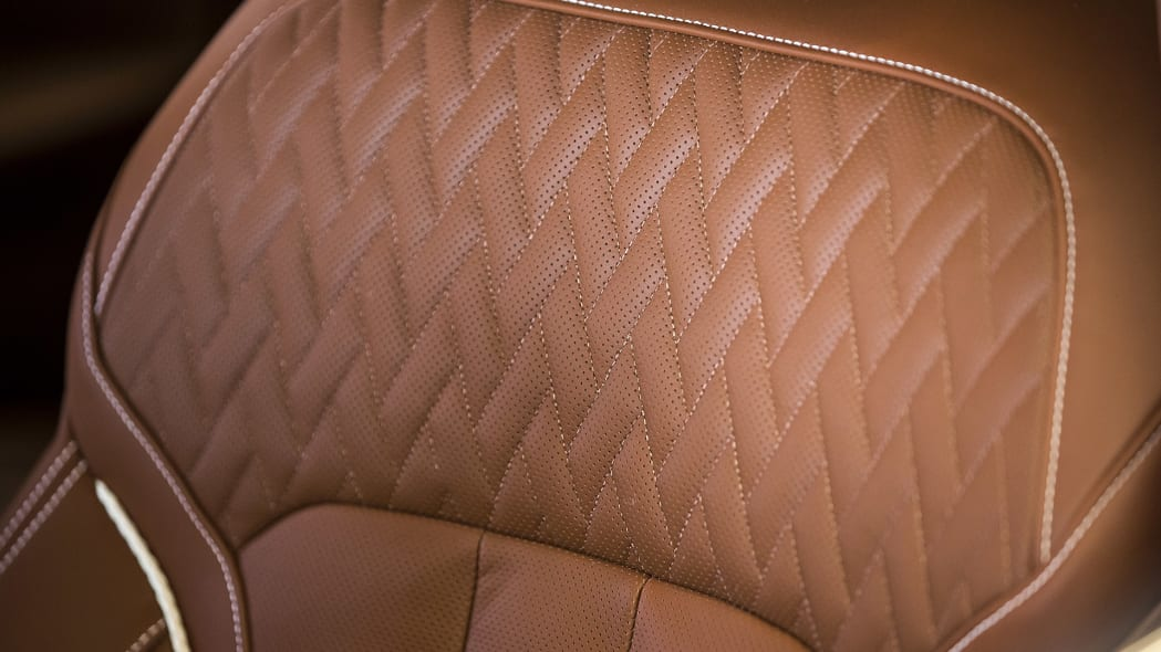 2016 BMW 7 Series seat detail