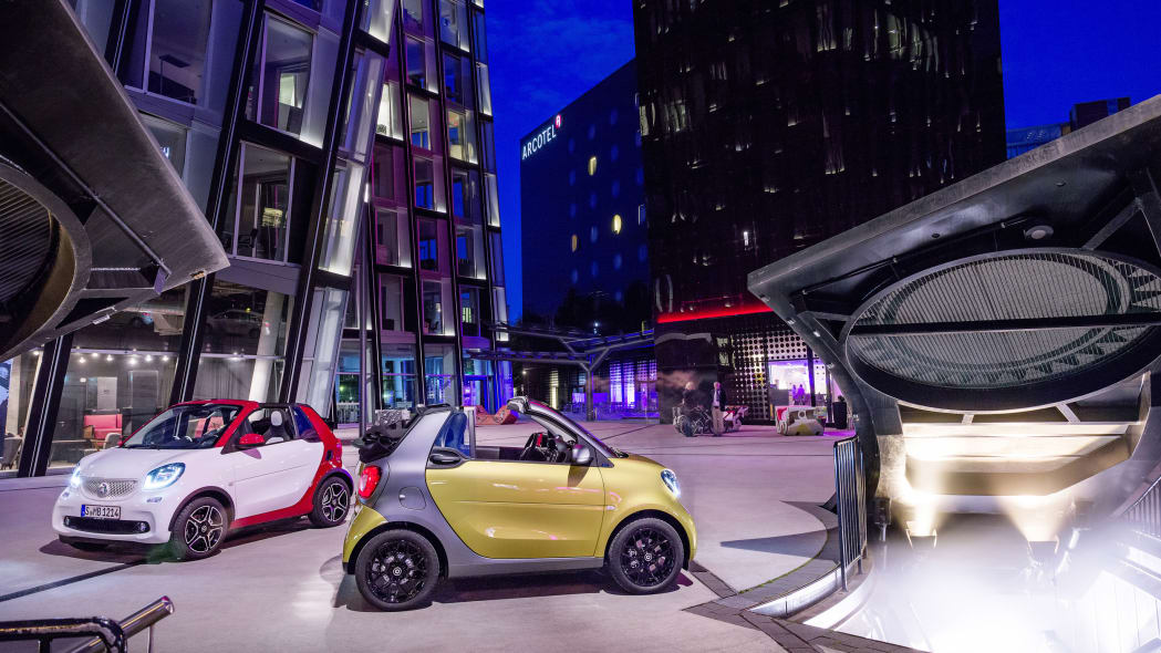 The 2016 Smart Fortwo Cabriolet, side view, two model lines, static.