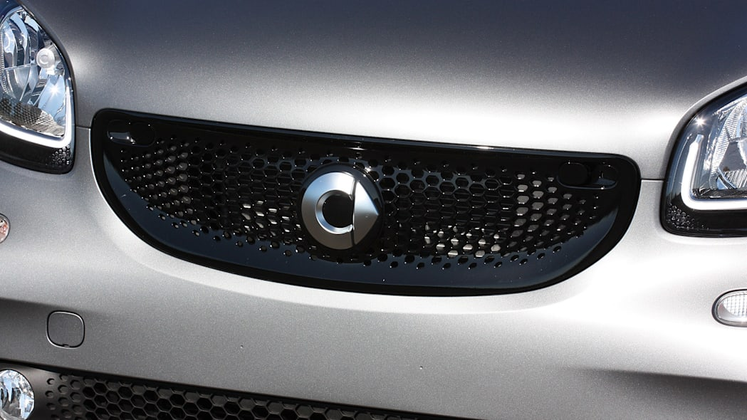 2016 Smart Fortwo grille