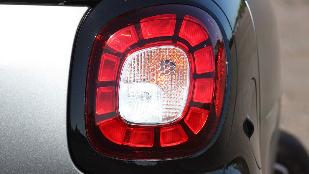 2016 Smart Fortwo taillight