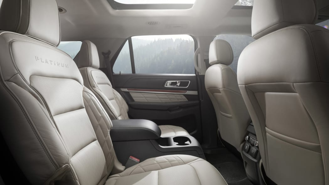 Ford shows off 2016 Explorer in Platinum trim, with Sony premium audio, rear seats.