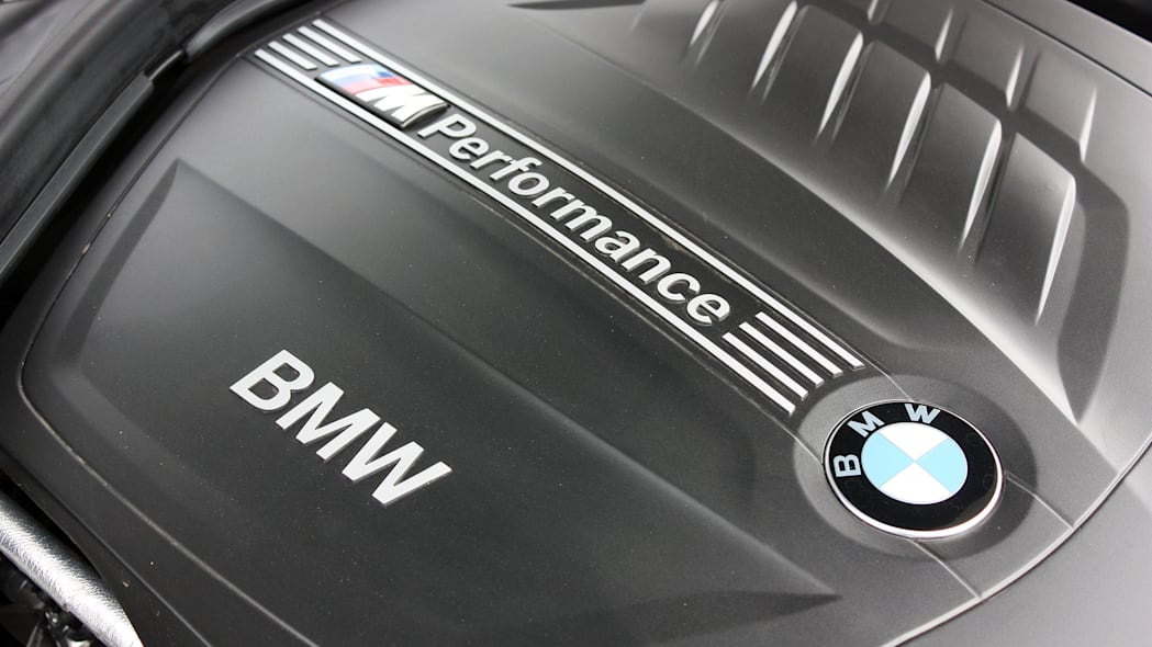 2016 BMW 435i ZHP Coupe engine detail