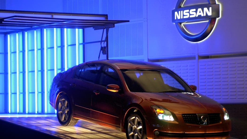 Nissan Maxima unveiled at auto show