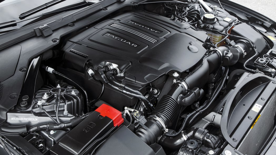 2016 Jaguar XF engine