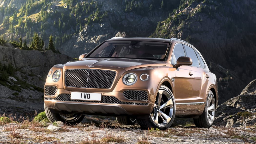 Bentley Bentayga off-road front 3/4 static