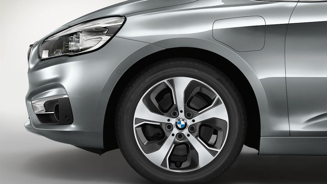 bmw 225xe front detail