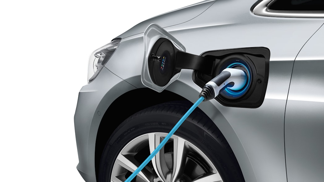 bmw 225xe charge detail