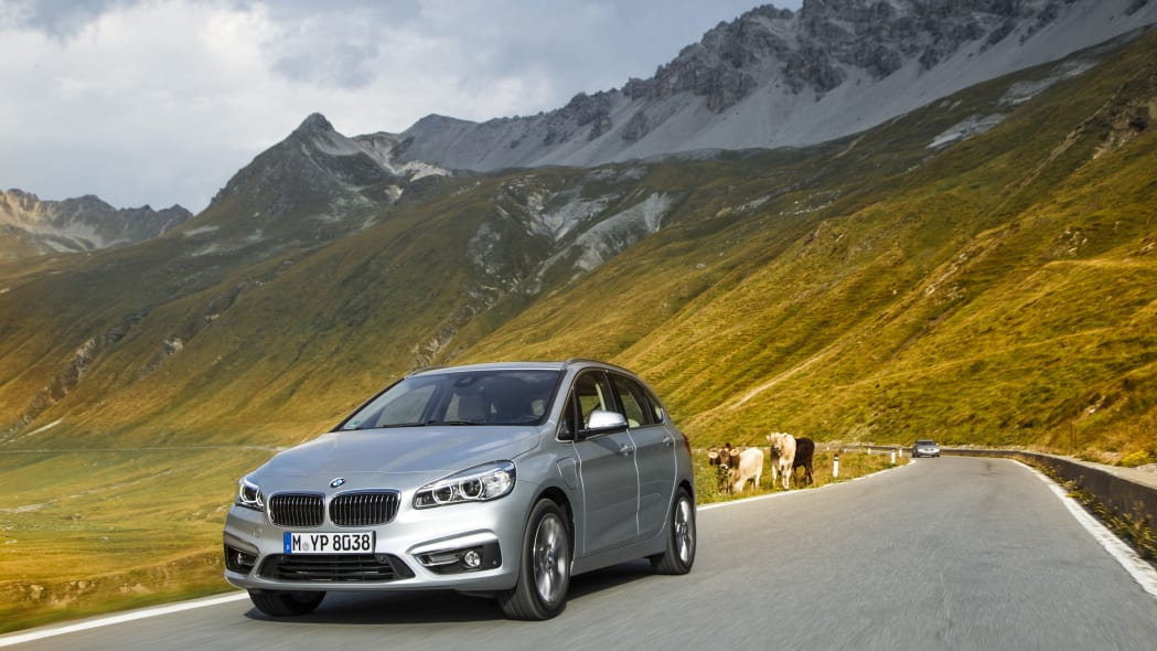 bmw 225xe front