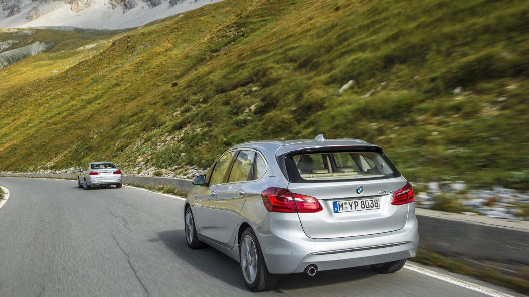 bmw 225xe back end
