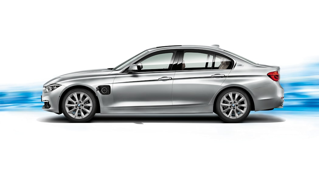 bmw 330e side charging