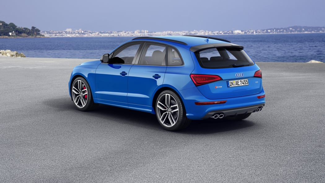 Audi SQ5 TDI Plus rear above 3/4 static