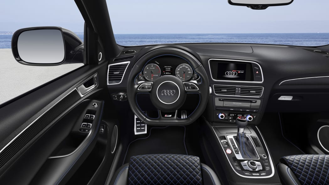 Audi SQ5 TDI Plus cabin