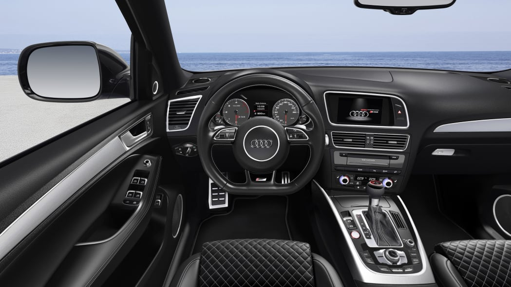 Audi SQ5 TDI Plus dashboard
