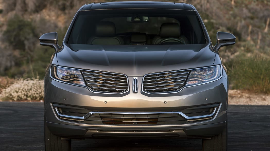 2016 Lincoln MKX front view